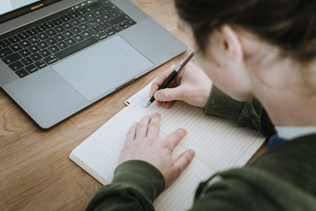 quitter le salariat bonnes résolutions reconversion professionnelle rupture conventionnelle création d'entreprise